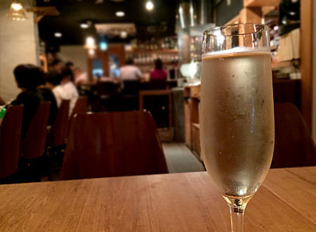COMATSU IMAIZUMI (コマツ イマイズミ):樽生スパークリングワイン