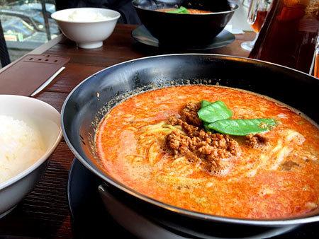頤和園(イワエン) 天神店 CHINA GARDEN:担々麺