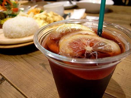 みのりカフェ 福岡天神店:季節フルーツの自家製サングリア