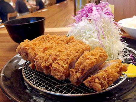 とんかつのポーク凡平(ボンペイ):銘柄豚厚切りロースカツ定食