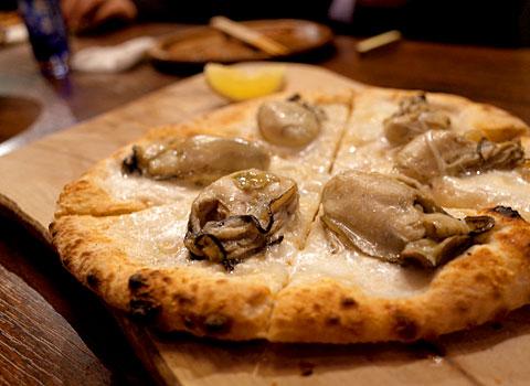 鎌田製作所:牡蠣のピザ
