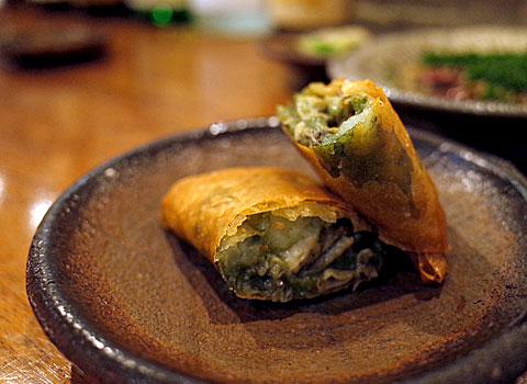 九〇萬(くわまん):牡蠣とじゃがいもの春巻き