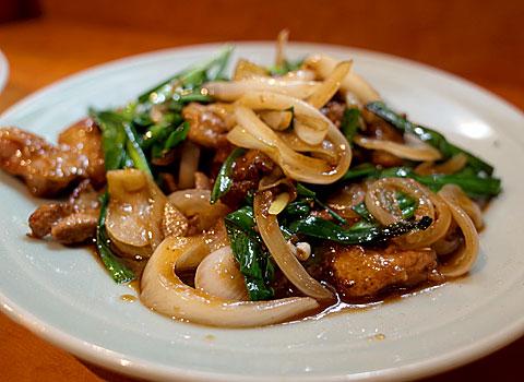 中華料理 珍萬21:ニラレバ炒め