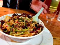 中央区春吉『 長楽 』特別調味料豚肉と野菜辛口炒め